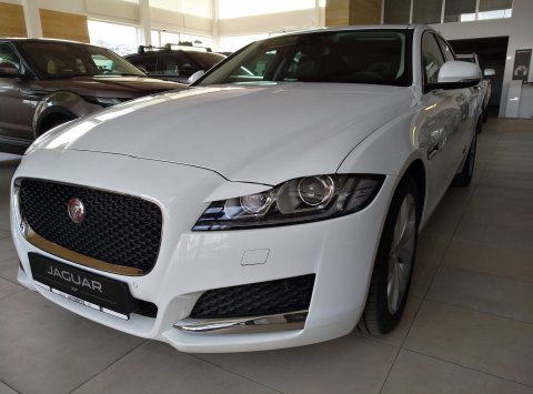 Jaguar XF 20d PRESTIGE 180PS AWD